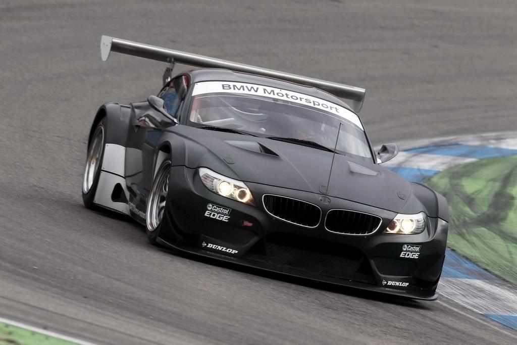 Обновленная BMW Z4 GT3 (фото)
