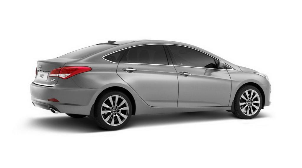 I40 sport sedan 2011-Hyundai-i40-Sedan-1486989063