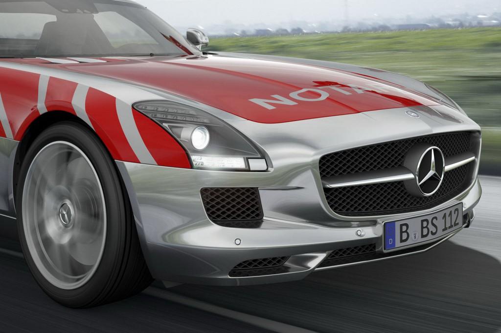 Фото скорой Mercedes-Benz SLS AMG