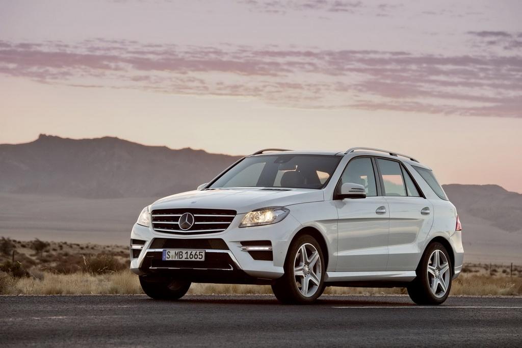 Фото внедорожника Mercedes ML 2012