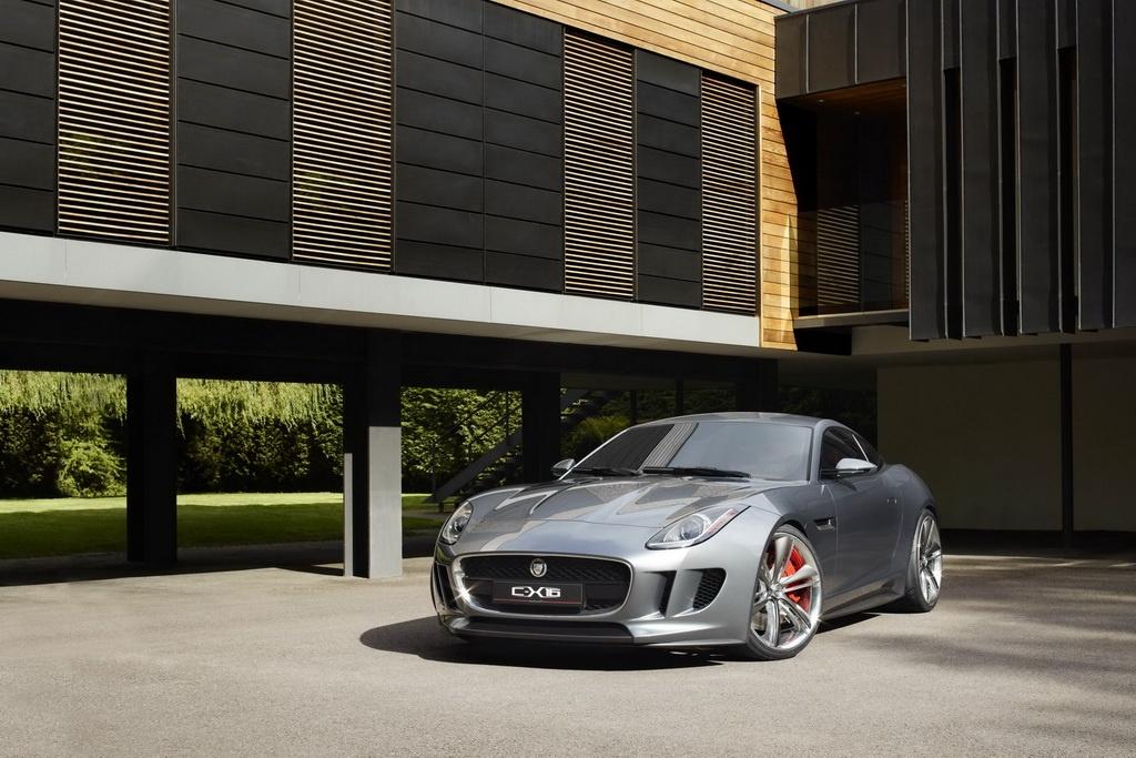 Фото концепта Jaguar C-X16