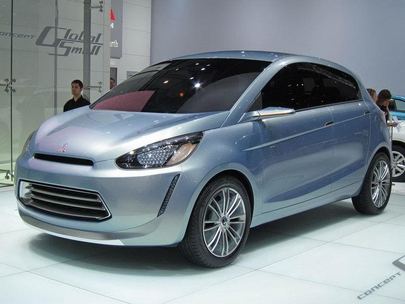 Фото Mitsubishi Global Small