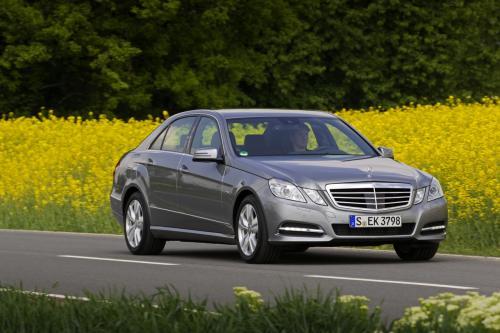 Mercedes-Benz представит в Детройте два гибрида