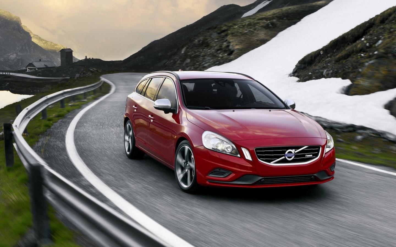 Volvo объявил цены на гибридную версию V60