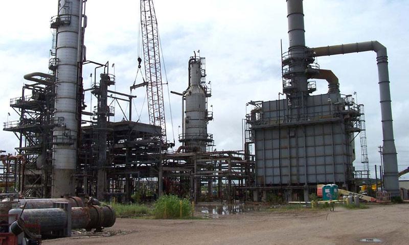 За первую неделю 2012 году производство бензина снизилось на 8%