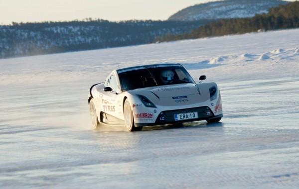 Электромобиль E-RA бьет рекорд скорости на льду