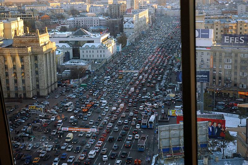 Средний «автомобильный» возраст России 12 лет