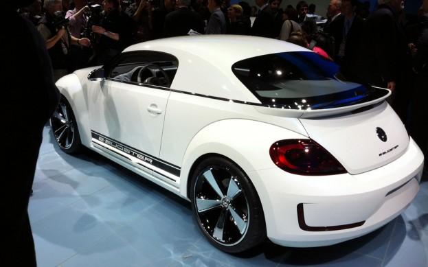 Открытый Volkswagen Beetle появится в 2013