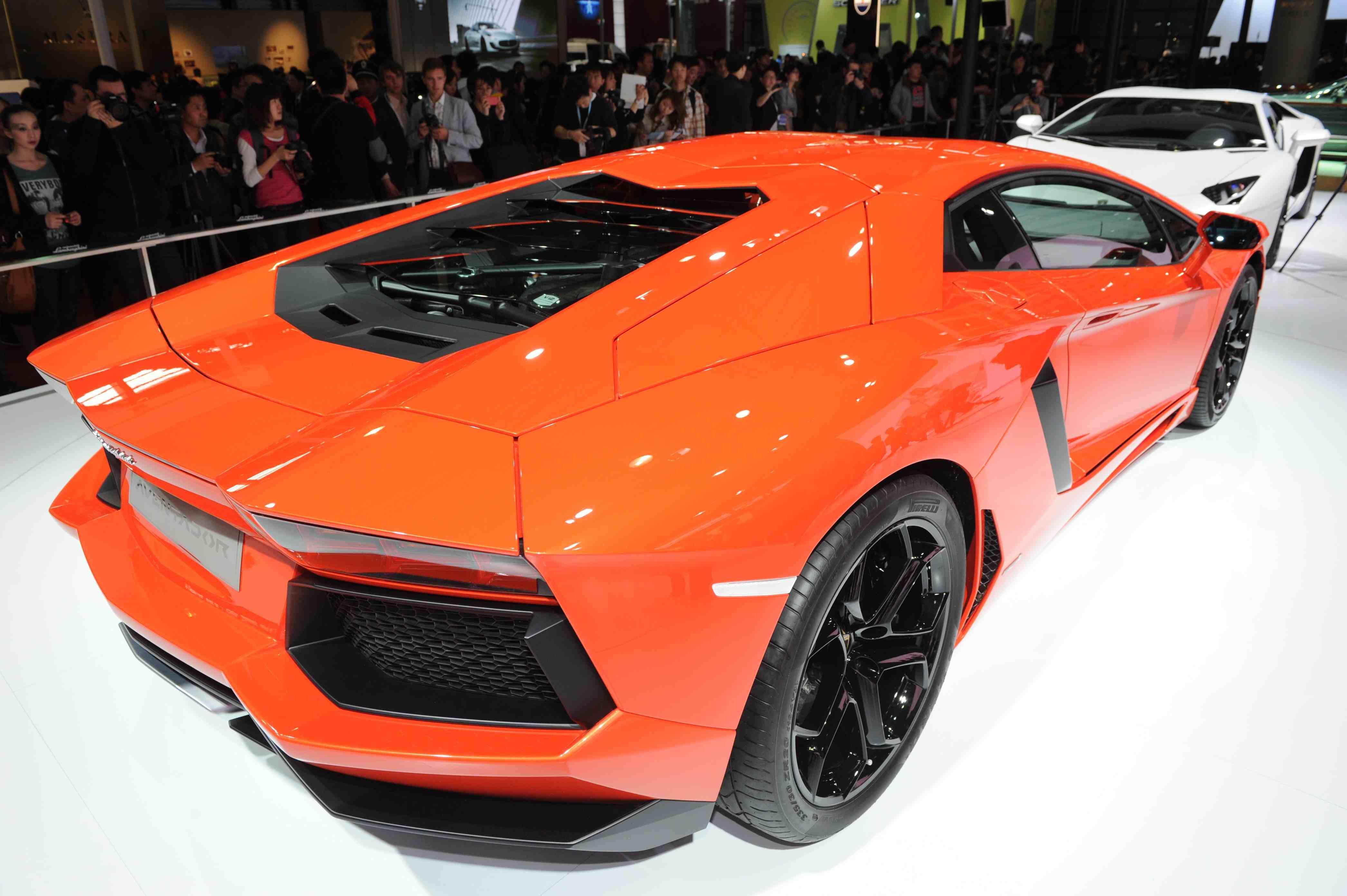 Стало известно, сколько стоит итальянская мощь Lamborghini