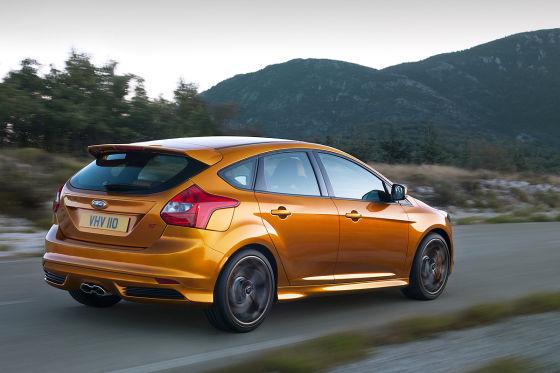 Автоконцерн Ford начинает принимать заказы на новый Focus ST
