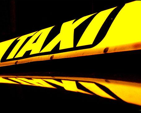 Водители такси получат разговорники к Евро-2012