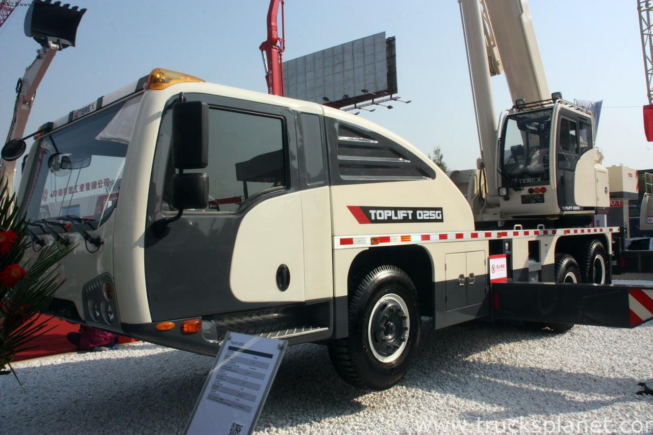 Китайское подразделение Terex представило две новых модели кранов