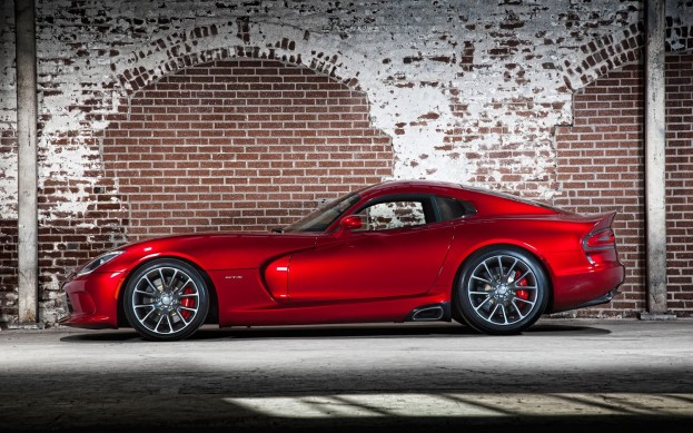 Первый собранный экземпляр нового SRT Viper продан на аукционе