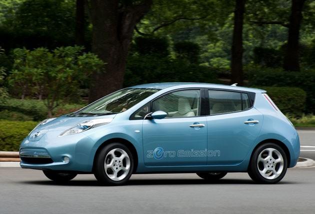 Рекорд заднего хода установил Nissan Leaf