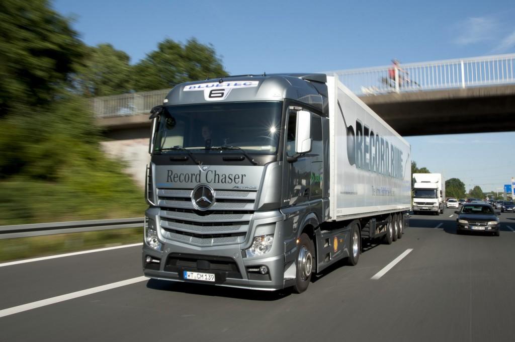 Новый Mercedes-Benz Actros еще безопаснее и эффективнее