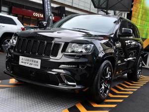 Специально для китайского рынка Jeep Grand Cherokee SRT8 в стиле Дарта Вейдера