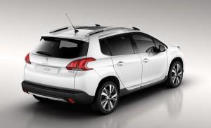 В сети появились фотографии нового кроссовера Peugeot 2008