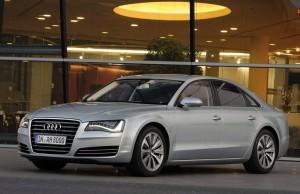 Объявлены российские цены на модели Audi A8 гибрид и Audi A3