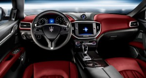 Официальные фото седана Maserati Ghibli появились до премьеры