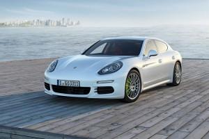Обновленный Porsche Panamera доступен в модификации с удлиненной базой