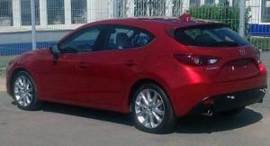 Появилось первое фото нового Mazda3