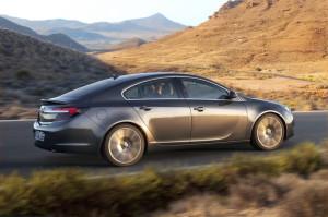 Обновленный Opel Insignia будет доступен для заказа уже в июле