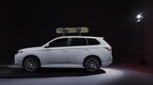 Mitsubishi представил разработал новые версии Outlander