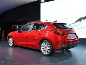 Во Франкфурте состоялся дебют новой Mazda3