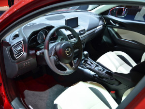 Стали известны цены, комплектации и дата продаж новой Mazda3