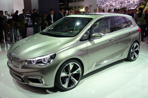 Серийная версия первого переднеприводного BMW дебютирует весной