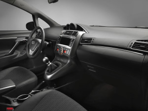 Toyota Verso оснастили дизельным мотором BMW