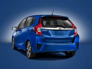 Новая Honda Jazz/Fit стала мощнее и просторнее