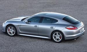 Porsche может расширить линейку седаном бизнес-класса