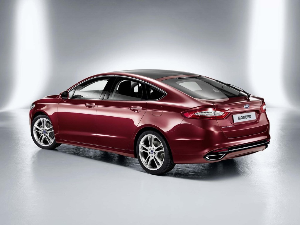 ford-mondeo-2014-3