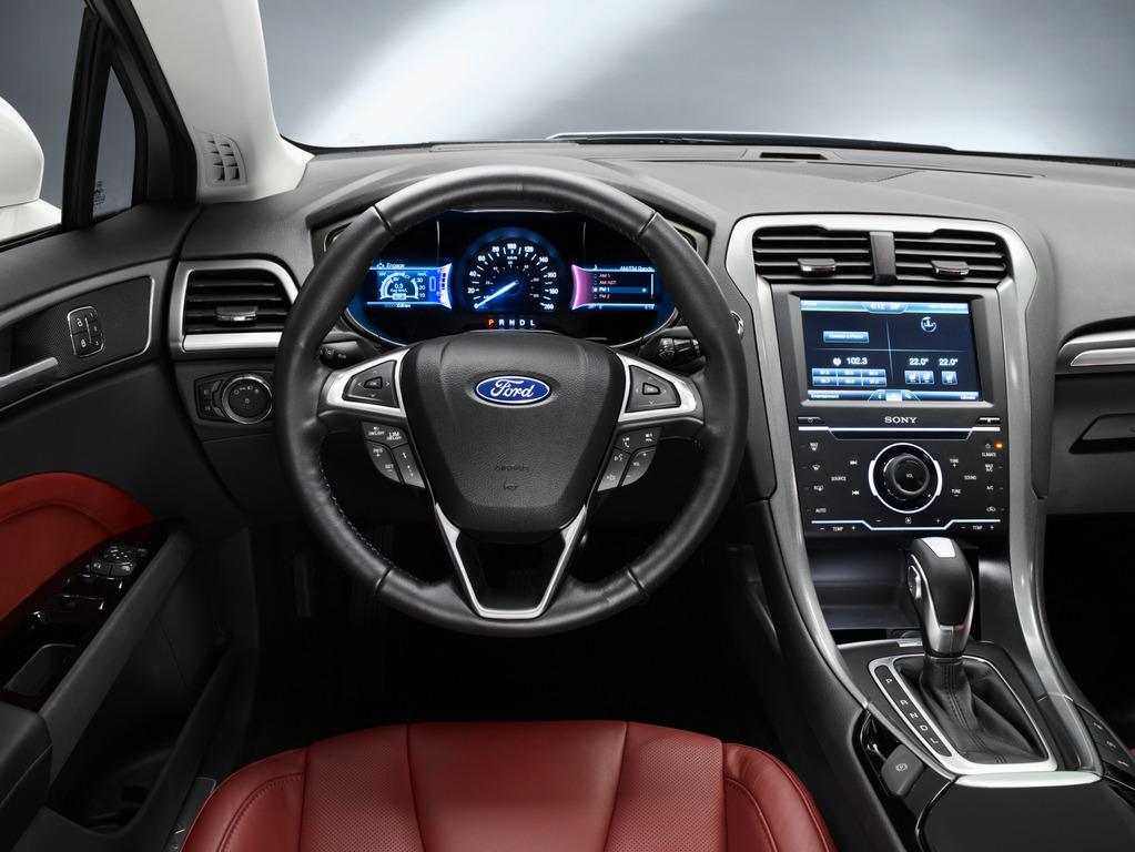 ford-mondeo-2014-4