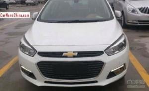 Еще одна версия Chevrolet Cruz появилась на шпионских фото
