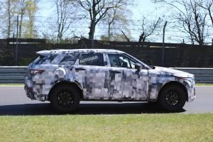 Кроссовер Jaguar C-X17 вышел на тесты