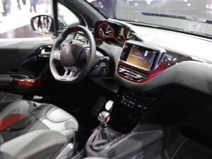 Хот-хэтч Peugeot 208 GTi оценили для России в 1 119 000 рублей