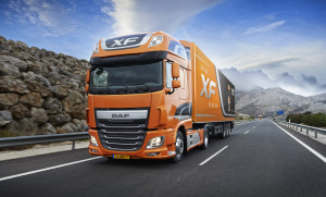 DAF представил новые четырехосные тягачи Euro-6 – CF и XF