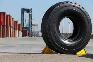Шины Michelin X-Straddle 2 – новинка для портовых погрузчиков