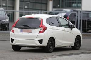 Фотошпионы «словили» новую Honda Jazz