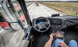 Тягач будущего от Daimler Trucks уже проходит дорожные испытания