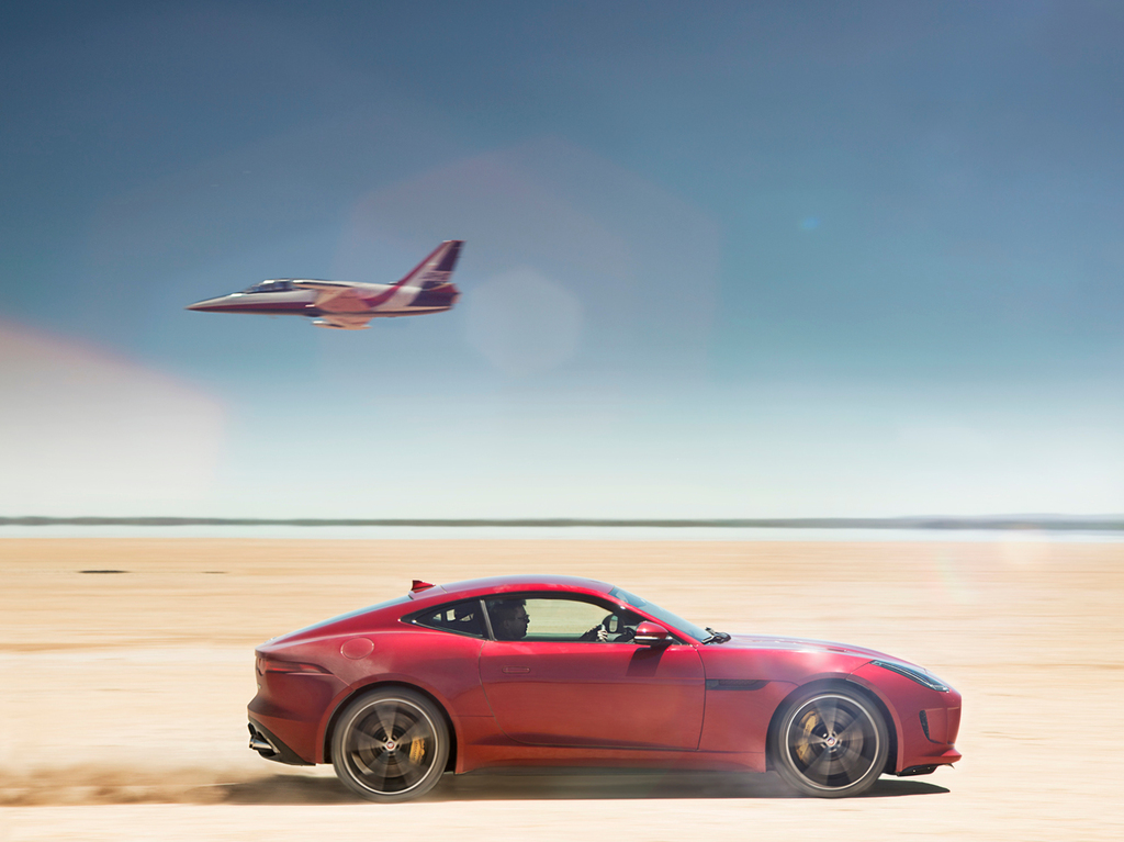 jaguar-f-type-r-coupe-awd-3
