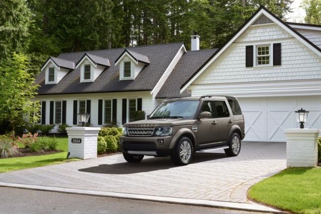 Land Rover объявляет о продажах лимитированных серий Defender Union Flag и Discovery Family