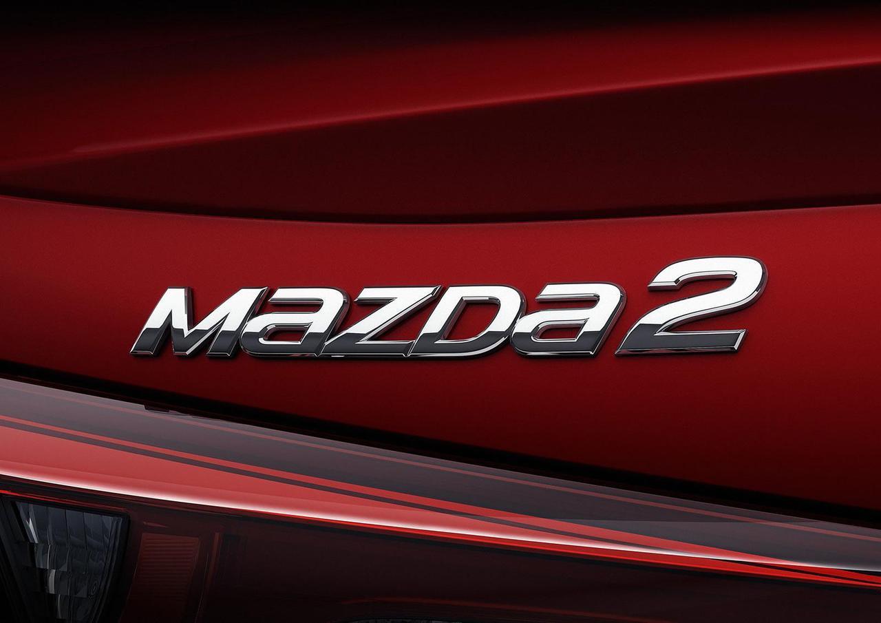 mazda2-sedan-8