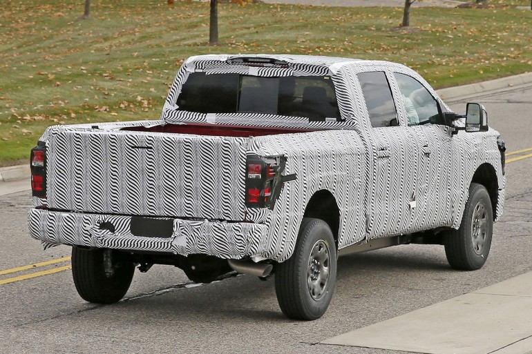 nissan-titan-2015-spy-photo-3