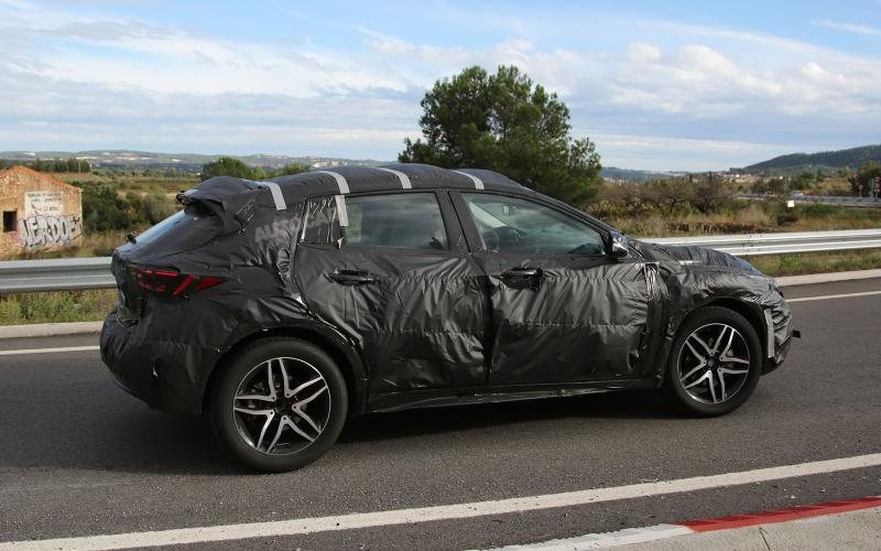 infiniti-qx30-spy-photo