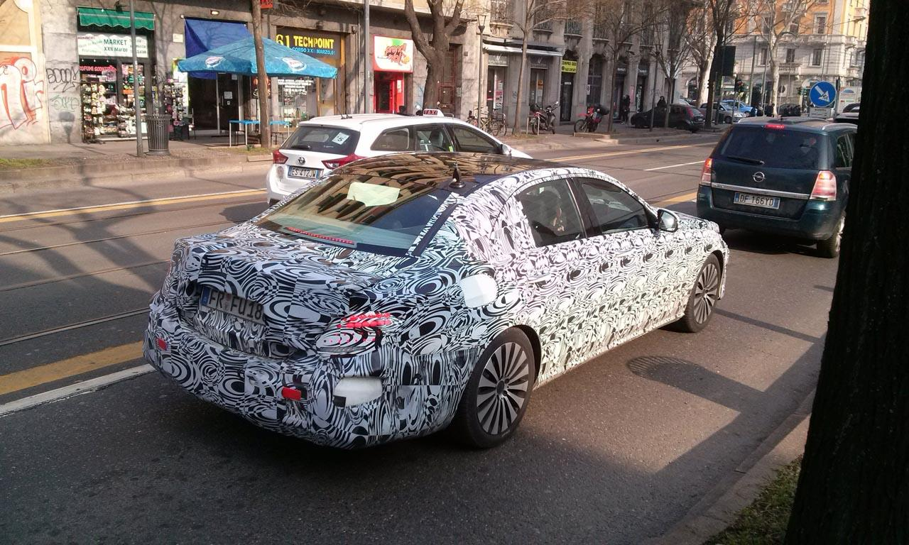 mercedes-benz-e-class-2016-spy-shot-2