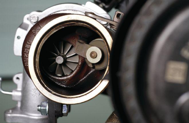 volvo-triple-turbo-drive-e-2