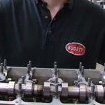 Bugatti Veyron двигатель - процесс сборки